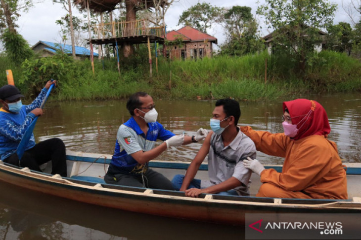 Over 244,000 Banjarmasin residents get first COVID-19 jab