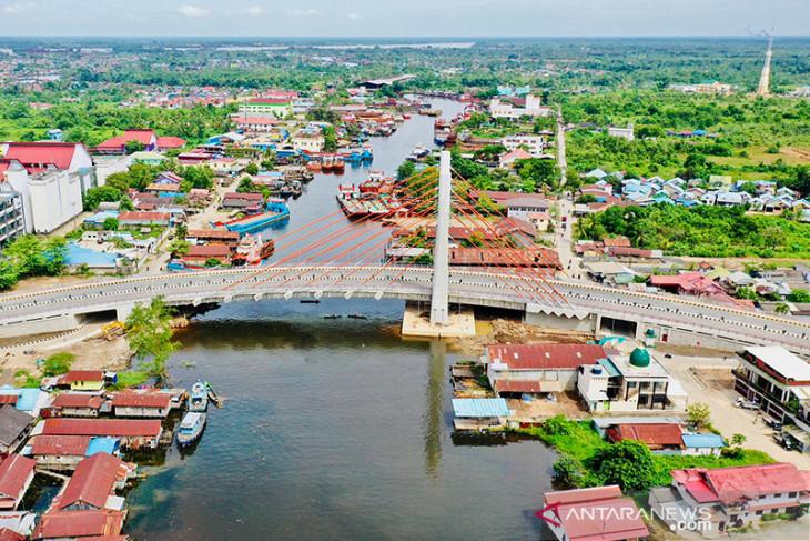 President has asked to open South Kalimantan's Sei Alalak bridge soon