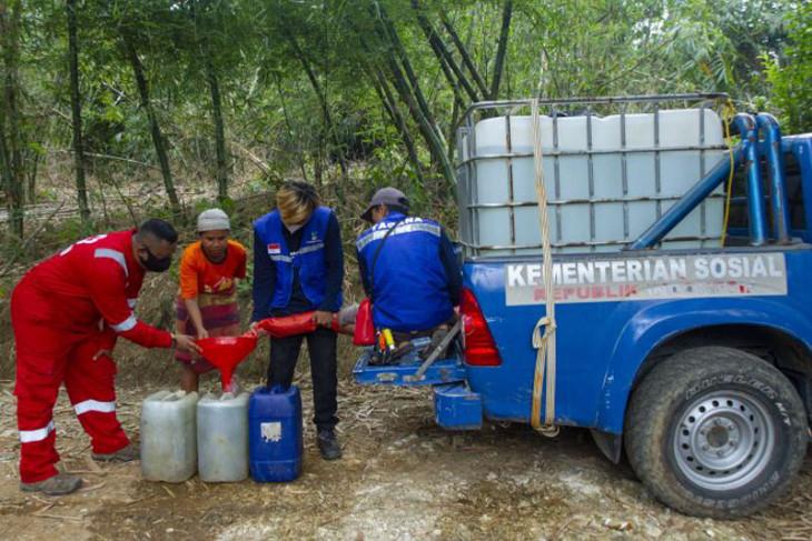 Distribusi air bersih di Karawang