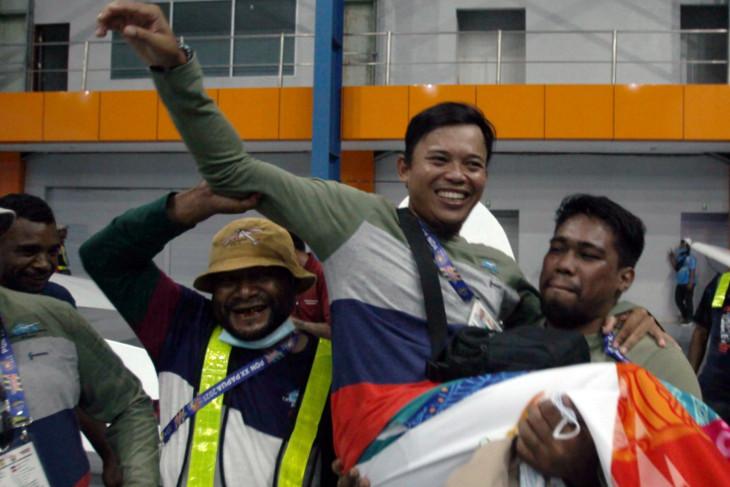 PON Papua: Tuan rumah sabet emas terbang layang nomor ketepatan mendarat putra