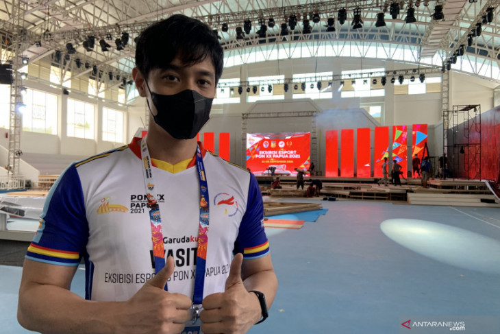Stanley Tija, wasit esport Indonesia berlisensi internasional