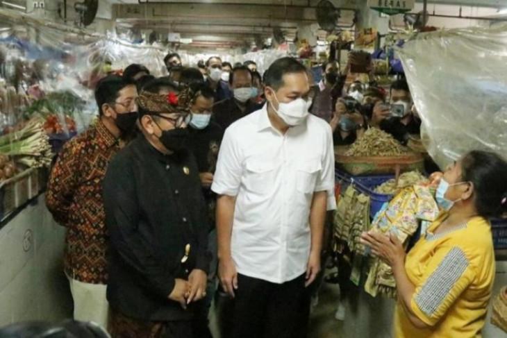 Dampingi Mendag, Wali Kota Denpasar siap terapkan PeduliLindungi di Pasar Tradisional