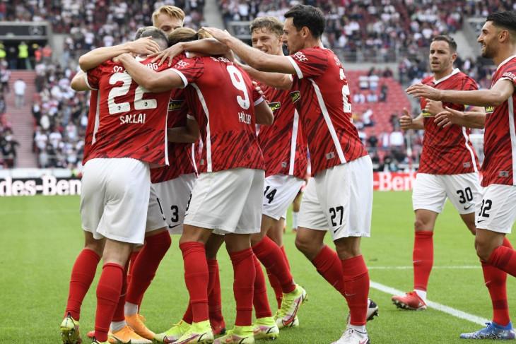Freiburg mainkan laga terakhir di Dreisam dengan gilas Augsburg 3-0