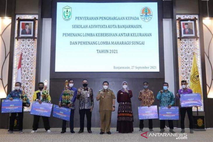 Pemkot Banjarmasin tetapkan 16 sekolah raih Adiwiyata 2021