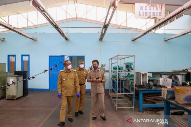 Sutarmidji tinjau pembangunan UPT Latihan Kerja Industri Kalbar