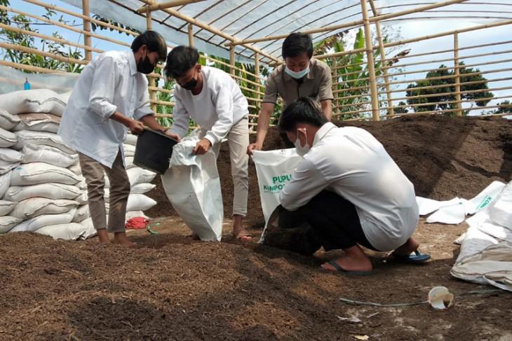 SMK di Ponorogo berlakukan pembayaran gunakan kotoran sapi bagi 44 siswa kurang mampu