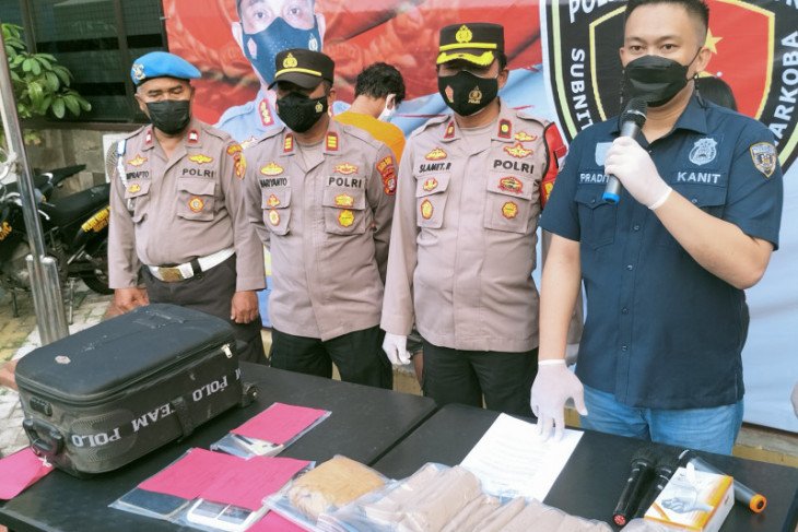 Polisi tangkap pasangan suami istri pengedar ganja