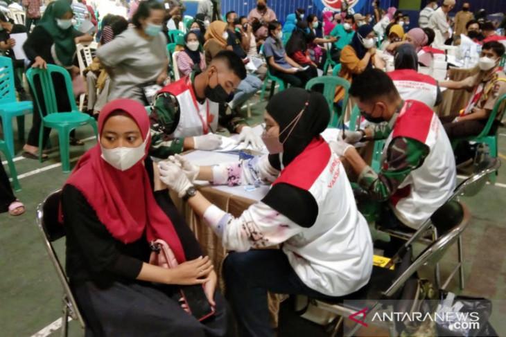 Indocement gelar vaksinasi massal COVID-19 di Bogor sepekan penuh