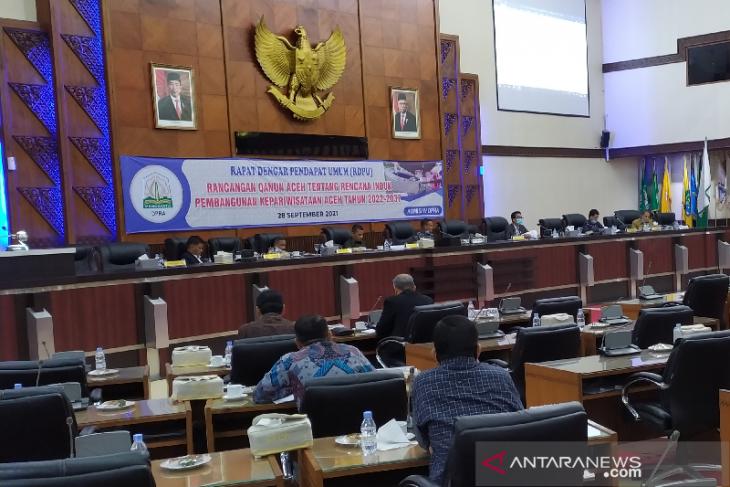 DPRA jaring pendapat raqan induk pembangunan kepariwisataan 2022-2037