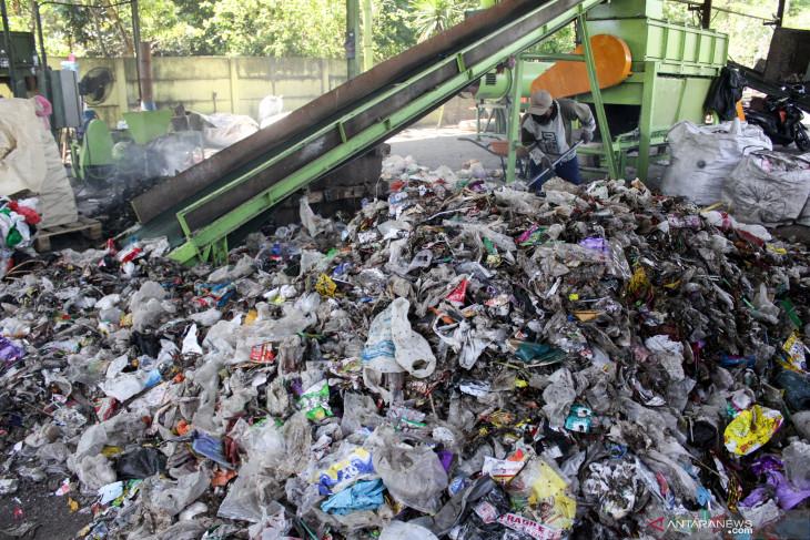 Pengolahan Sampah Organik Menjadi Briket