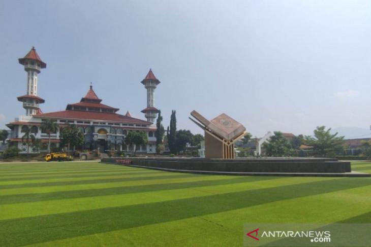 Taman Alun-alun Cianjur dibuka setelah target vaksinasi mencapai 50 persen