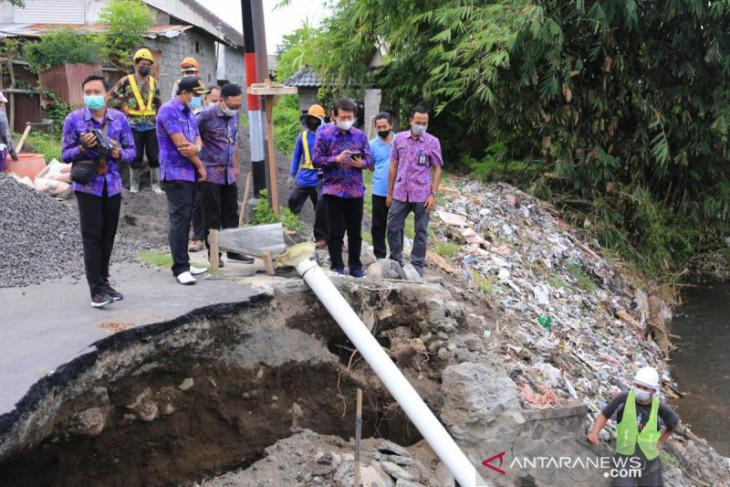 Tapal batas Klungkung-Karangasem dibangun