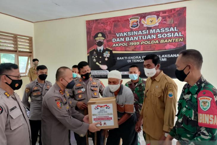 Alumni Akpol 1999 kembali melaksanakan vaksinasi berhadiah sembako di Banten