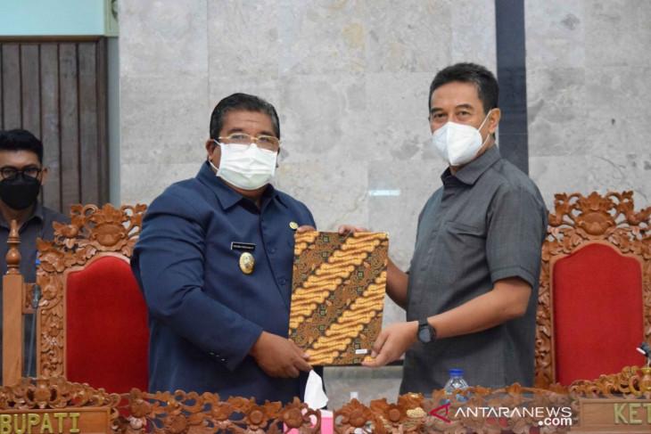 Bupati dan DPRD Buleleng sepakati tiga ranperda jadi perda