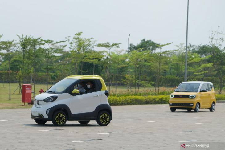 Wisman boleh masuk Bali hingga rencana mobil listrik lokal
