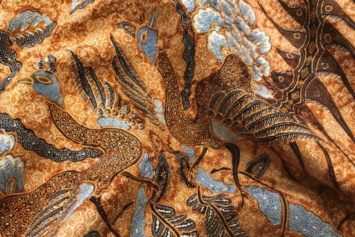 Batik Day observed to nurture love, pride for culture: Minister