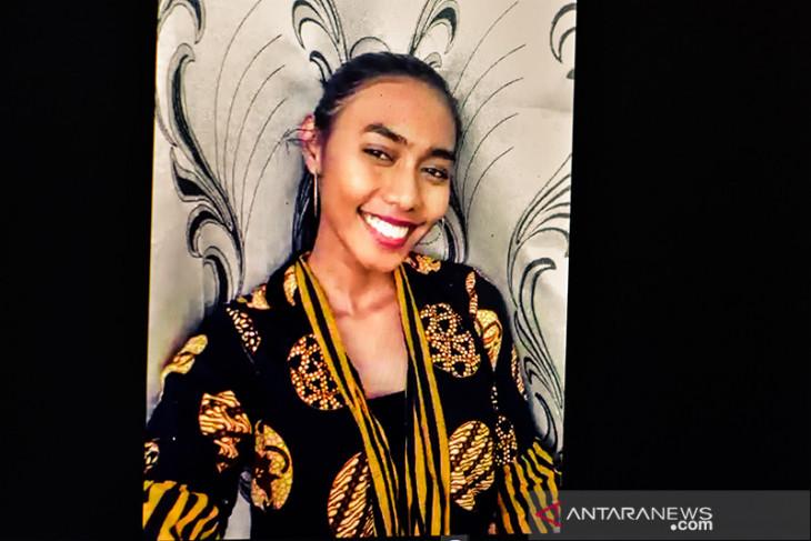 Erika duta batik dari Ambon di Kota Oryol Rusia