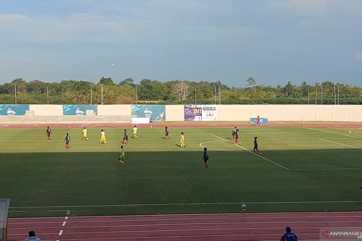 Provinsi Papua menang telak 7 - 0 atas Papua Barat di sepak bola putri PON