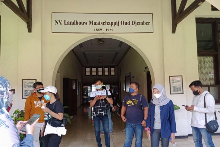 Wisata kota menyusuri bangunan bersejarah di Jember