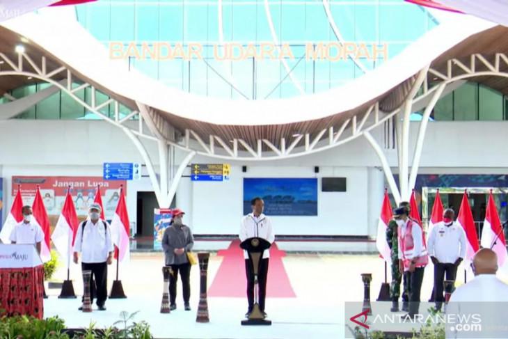 Jokowi inaugurates Mopah Airport terminal in Merauke