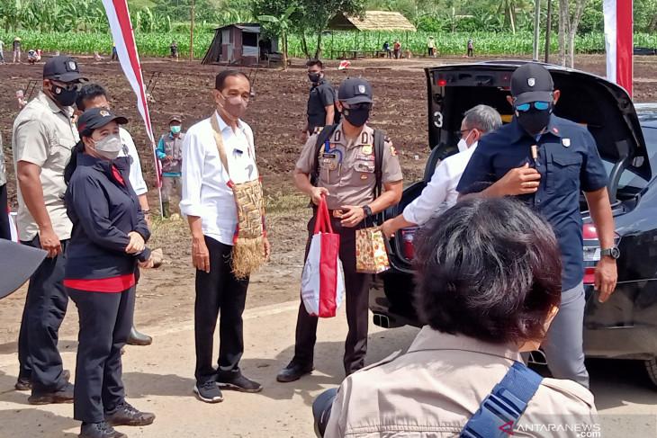 Presiden apresiasi semangat warga kota Sorong mengikuti vaksinasi maritim