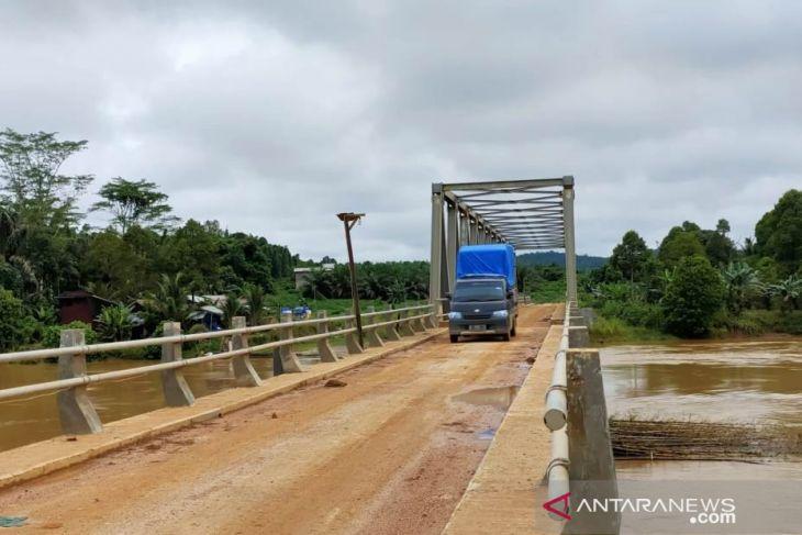 Jembatan Amai Benny Subianto sangat membantu warga Busang