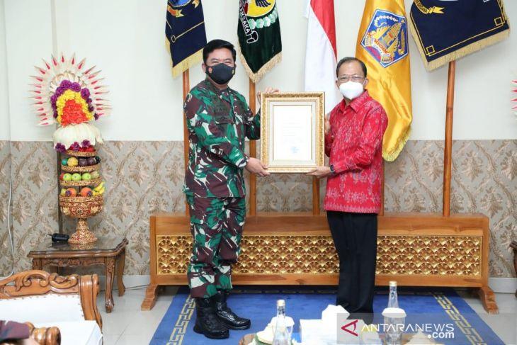 Gubernur Koster terima penghargaan PPKM Mikro terbaik dari TNI