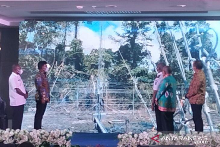 Menkominfo Resmikan Tiga BTS di Papua Barat