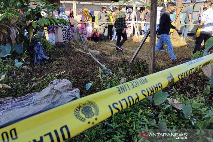 Geger, warga Simeulue temukan mayat di pinggir jalan