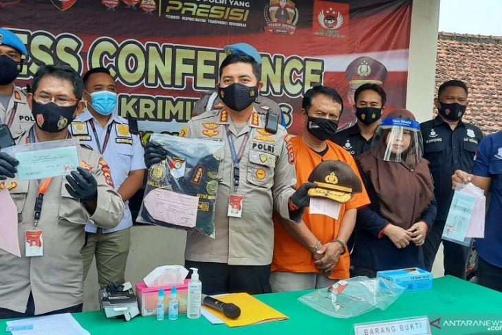 Polresta Tangerang tangkap polisi gadungan menipu korban Rp300 juta