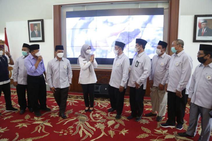 Bupati Ipuk dukung gerakan wakaf uang oleh Badan Wakaf Indonesia