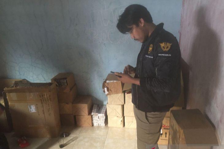 Bea Cukai Banten kembali lakukan penindakan  terhadap rokok ilegal ditimbun di rumah kontrakan
