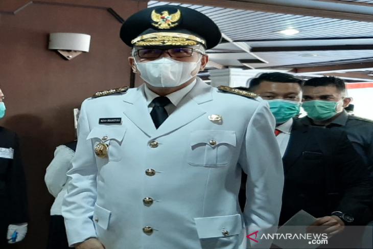 Patah tulang, Gubernur Aceh Nova Iriansyah dilarikan ke rumah sakit