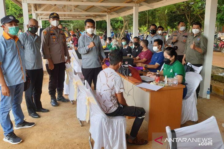 Tim Percepatan kawal vaksinasi di perkebunan Kabupaten Ketapang