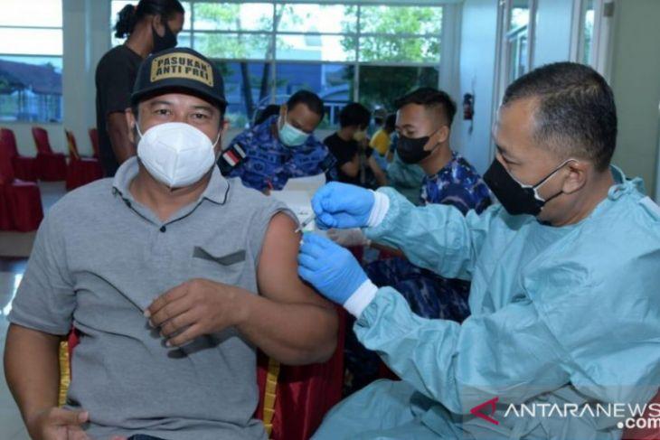 TNI AU target vaksinasi  10.500 warga di Berau