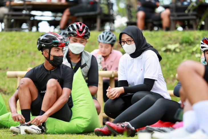 Bersepeda sembari menikmati pemandangan pantai hingga pegunungan di Banyuwangi