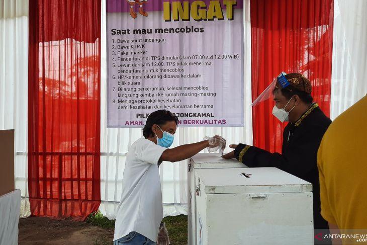 Dua oknum polisi diduga terlibat politik uang Pilkades Serentak Tangerang