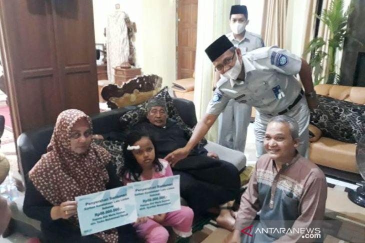 Jasa Raharja santuni korban kecelakaan satu keluarga di Aceh Barat Rp108 juta