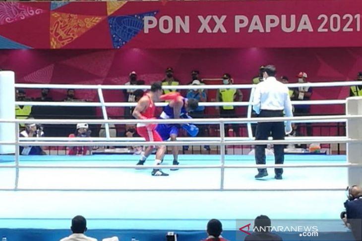 PON Papua - Dua Yulius duel pada partai final tinju kelas bantam putra