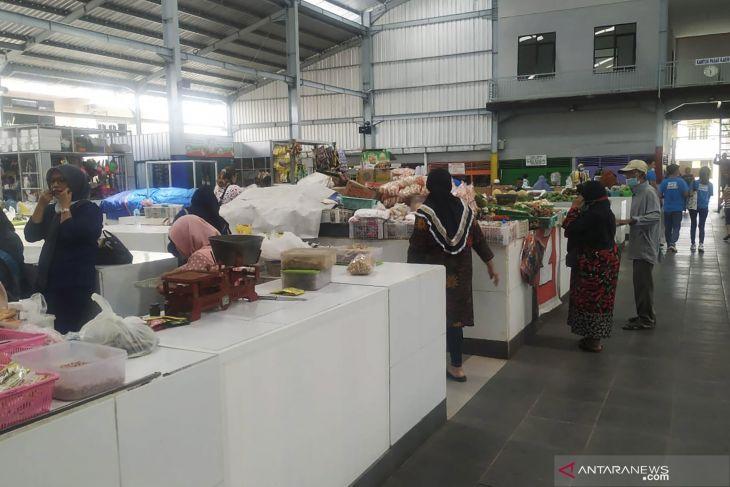 Pemkot Malang bebaskan retribusi pasar bagi pedagang