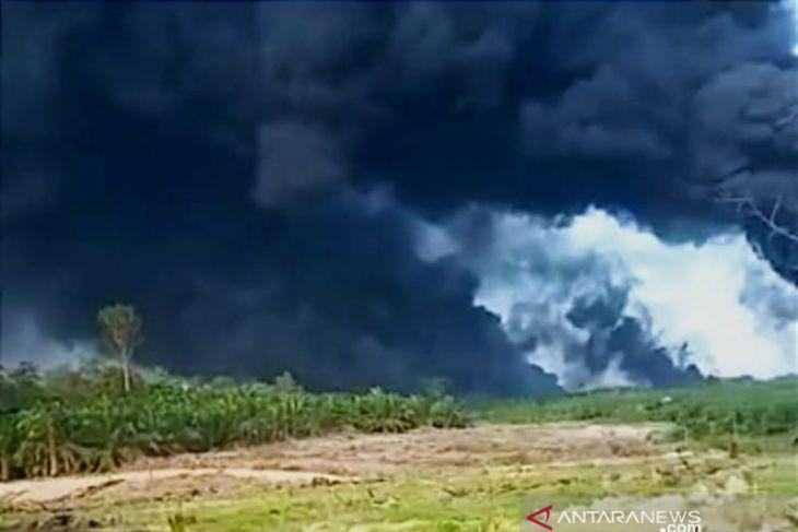 Sumur minyak ilegal di Sumsel meledak hebat