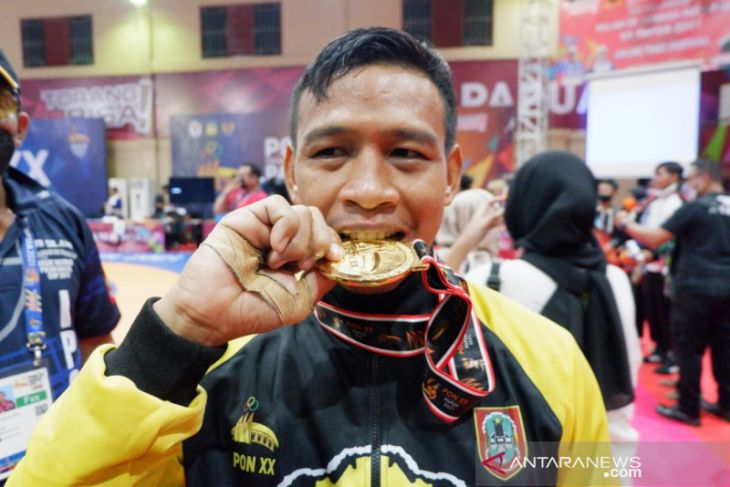 PON Papua: Akhirnya Gulat beri medali emas pertama untuk Kalsel