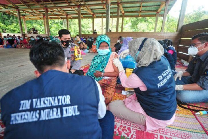Vaksin Covid-19 desa terisolir di Jambi