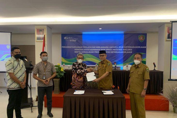 BPJamsostek - Dinas Koperasi Maluku lindungi pelaku UMKM realisasi Jamsos Ketenagakerjaan