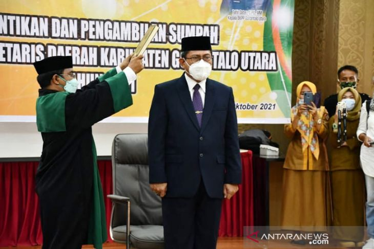 Bupati Gorontalo Utara lantik Penjabat Sekretaris Daerah