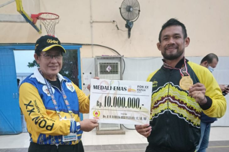 Pegulat Fahriansyah raih medali emas kedua bagi Kalsel di PON Papua
