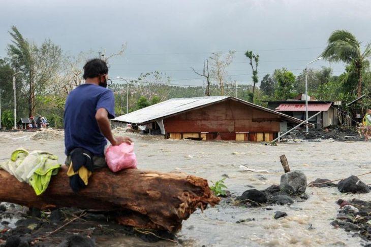 Sembilan orang tewas akibat siklon tropis Kompasu di Filipina