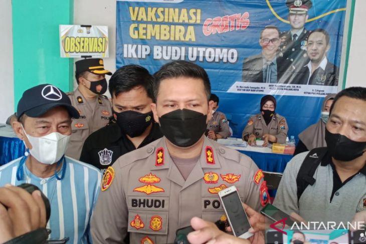PWI Malang gandeng polres-IKIP Budi Utomo vaksinasi 1.000 warga