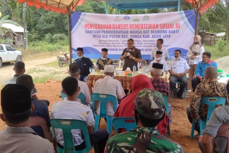 Ini komunitas adat terpencil Aceh Jaya terima bantuan Kemensos