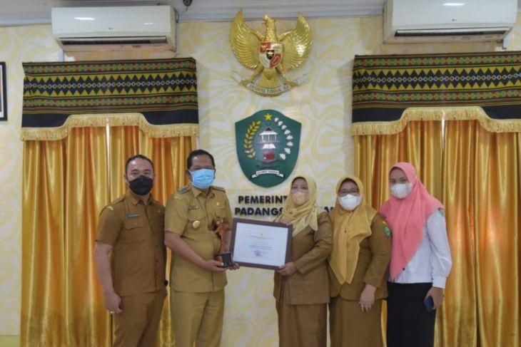 Pemkot Padangsidimpuan terima penghargaan kota layak anak